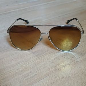 Jessie James Decker Gold Diff aviator sunglasses
